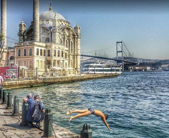 جامع اورتاكوي باسطنبول في تركيا