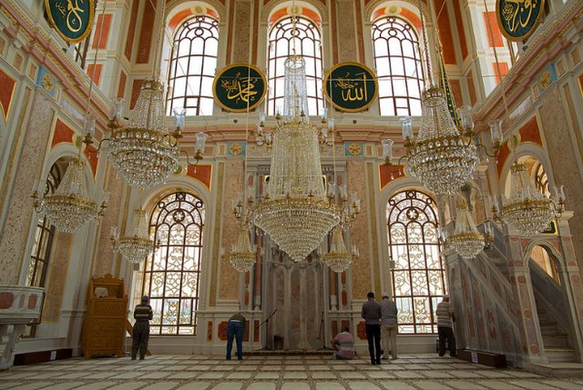جامع اورتاكوي اسطنبول