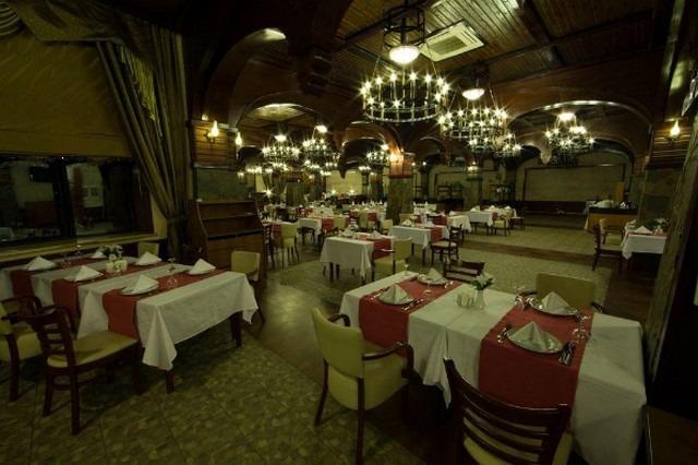 تمنح فروع فندق قفقاز قابلا زائريها جلسات عشاء مميزة