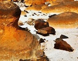 حديقة الصخور في ولاية الدقم من أهم اماكن الدقم السياحية