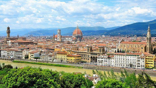 اين تقع فلورنسا