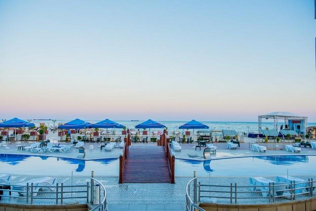 الإقامة في مكان يضُم منطقة شاطئ خاصة لن يتحقق سوى في افضل منتجعات باكو