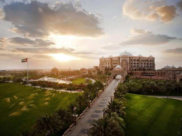 فنادق كورنيش ابوظبي 5 نجوم