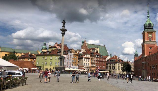 اين تقع وارسو
