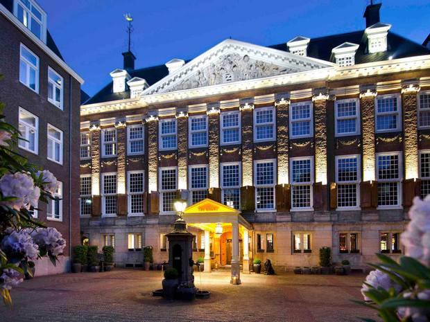 اين تقع امستردام هولندا