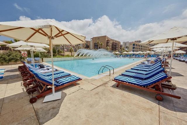 فندق كورال بيتش بيروت