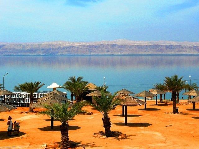 شواطئ البحر الميت