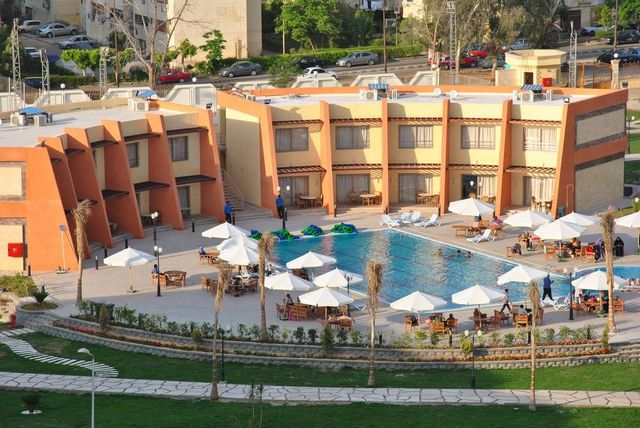 فندق جلوريوس القاهرة 4 نجوم
