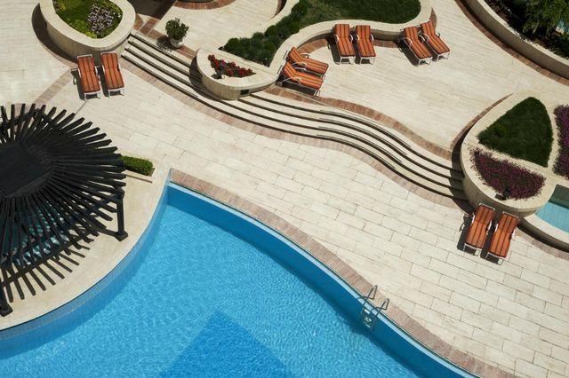 موقع فندق المريديان عمان