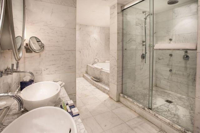 حجز فندق المريديان عمان