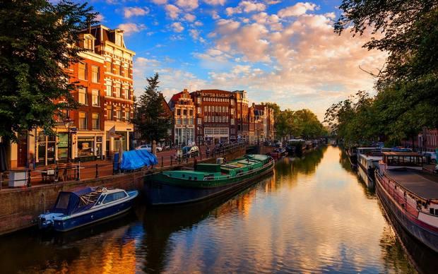 اين تقع هولندا والمسافات بين اهم مدن السياحة في هولندا رحلاتك