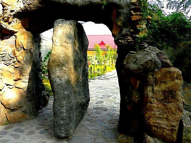 الأماكن السياحيه في غابالا