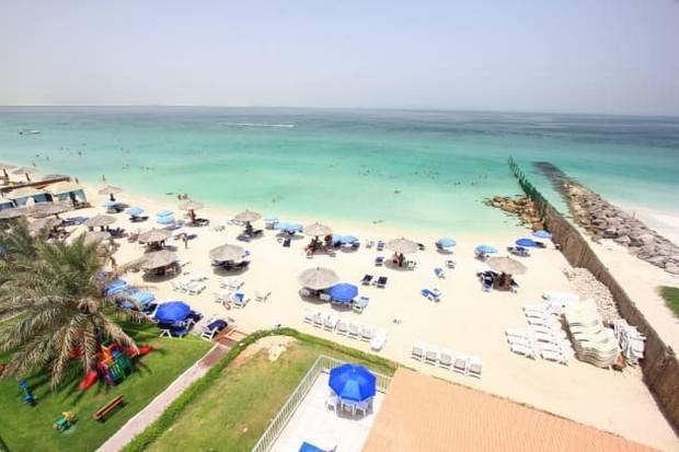 شاطئ الشارقة الامارات