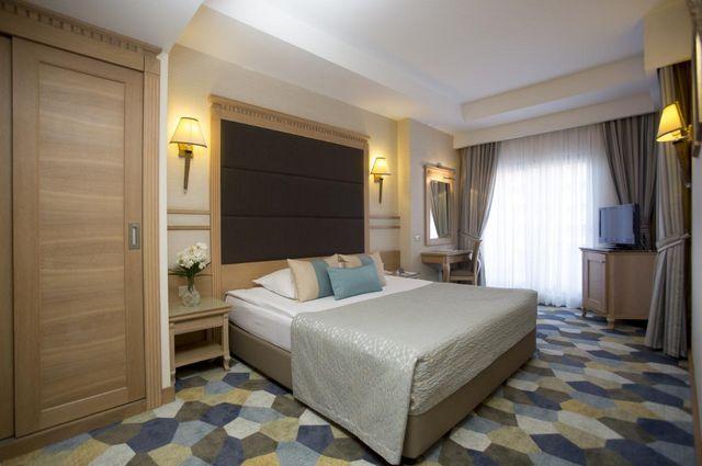 فندق فيم لارا
