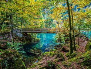 البحيرة الزرقاء في انترلاكن