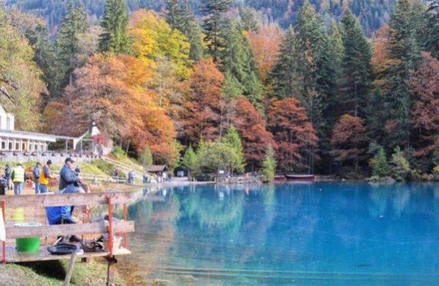 البحيرة الزرقاء انترلاكن