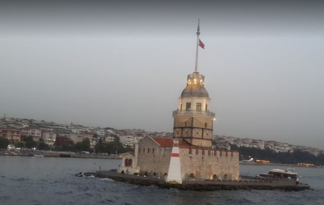 برج البنات في اسطنبول