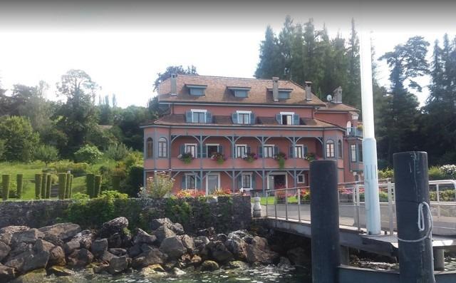الاماكن السياحية في ايفيان الفرنسية