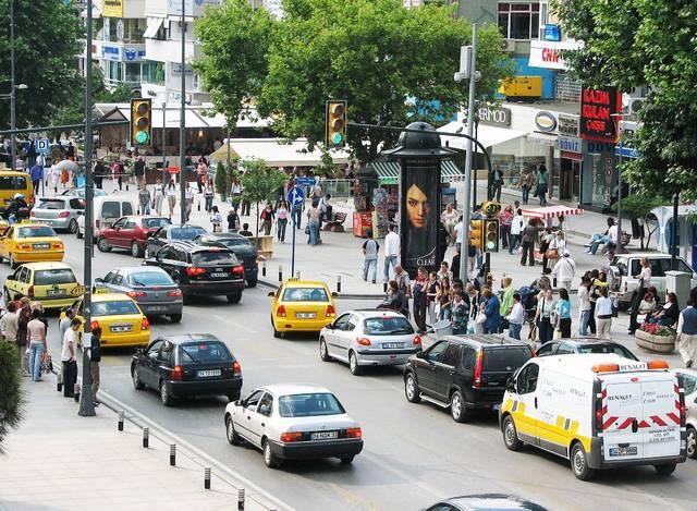 التسوق في شارع بغداد اسطنبول