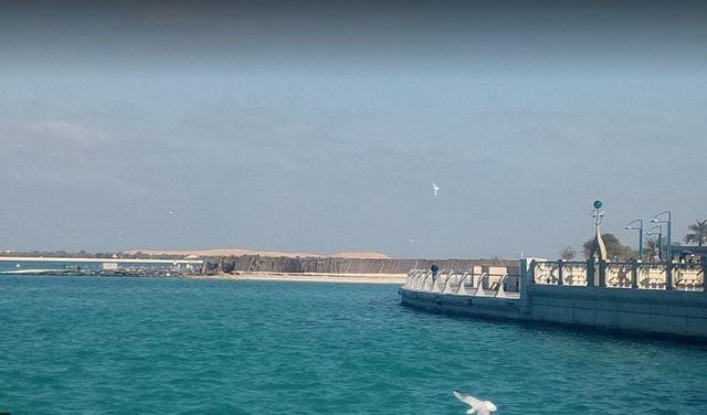 شاطئ الكورنيش ابوظبي