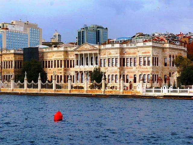 قصر دولما باشا
