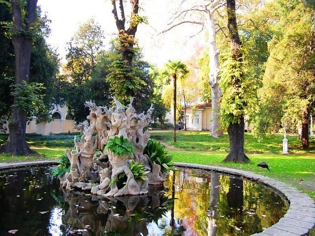 قصر دولما بهجة