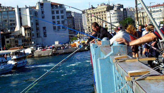 جسر غلطة باسطنبول