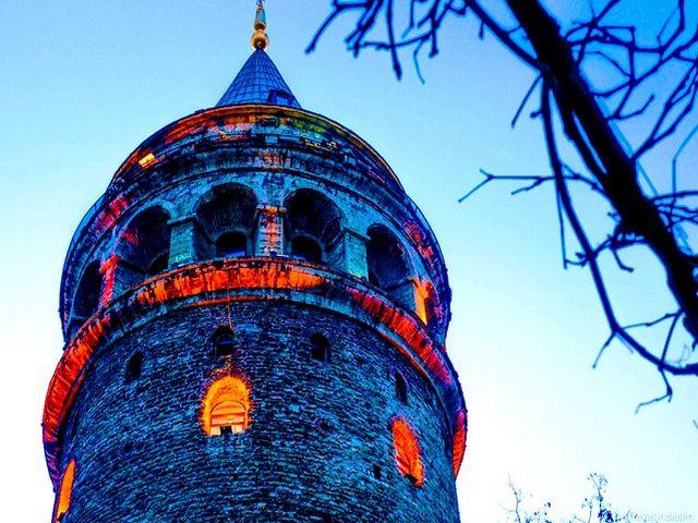 برج غلطة بالقرب من مطعم بوراك اسطنبول