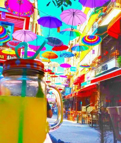 شارع المظلات في اسطنبول