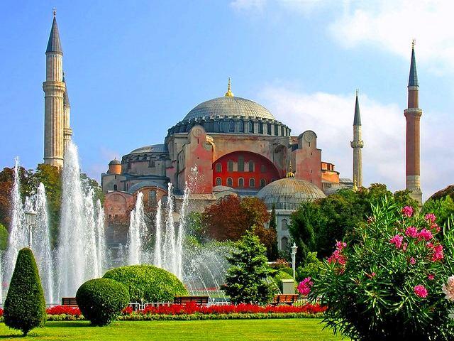 آيا صوفيا بالقرب من توبكابي اسطنبول