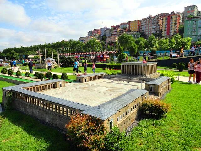 فيالاند في اسطنبول