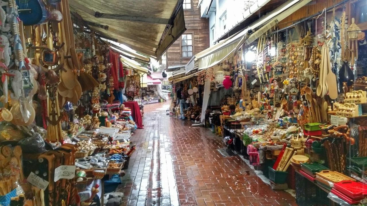 بازار الفاتح في اسطنبول