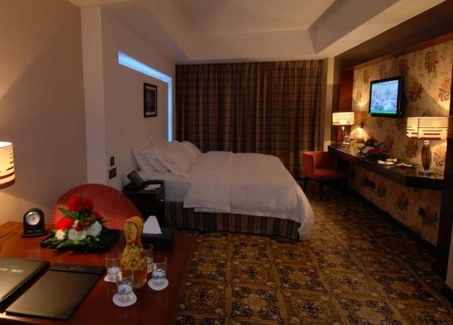 يتوفّر فندق جلوريا المدينة الغُرف المُتنوّعة منها الأجنحة.