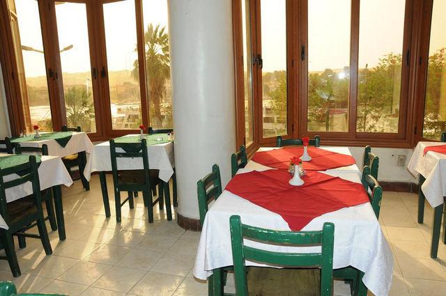 فندق النيل اسوان
