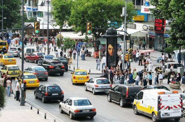 بازار يوم الاحد في اسطنبول