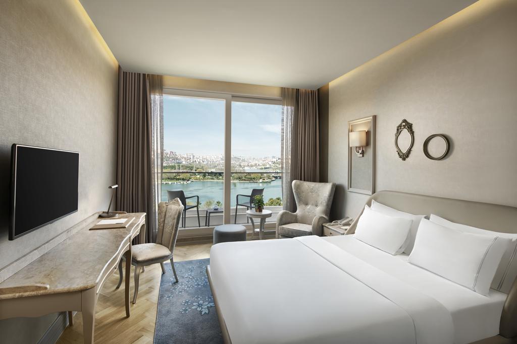 فنادق اسطنبول على البحر