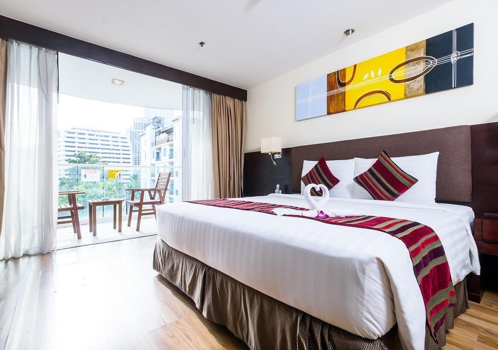 فندق لوهاس سويتس بانكوك من افضل فنادق للعوائل في بانكوك التي تُوفّر أجنحة من غُرفتيّ نوم.