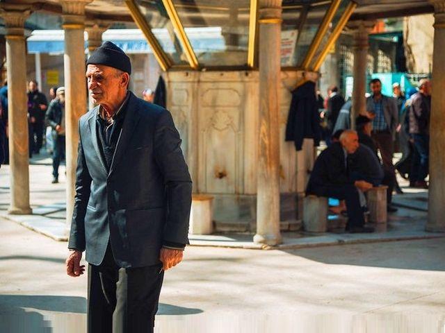 كيفية الوصول الى مقهى بيرلوتي من السلطان احمد