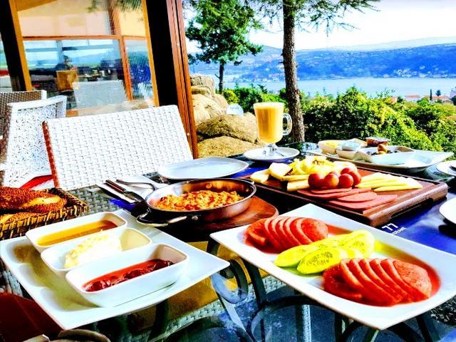 مطاعم فطور في اسطنبول على البحر