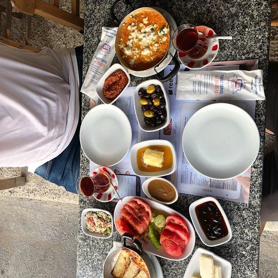مطاعم افطار في اسطنبول