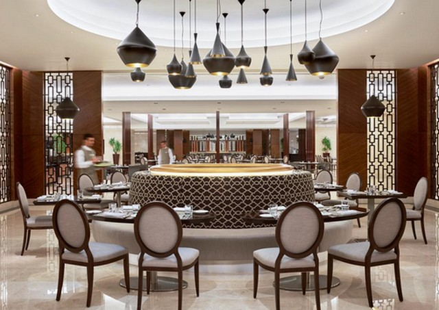 يضم فندق سويس المقام مكة مطعم واحد يُقدّم الأطعمة العالمية.