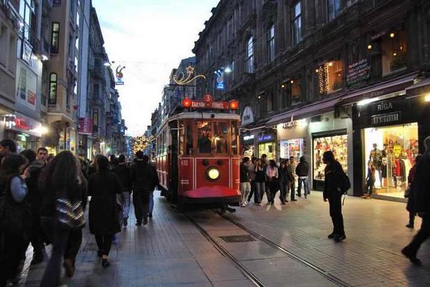 السياحة في اسطنبول الشباب