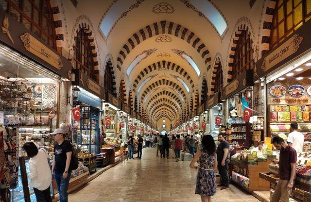 سوق في السلطان أحمد
