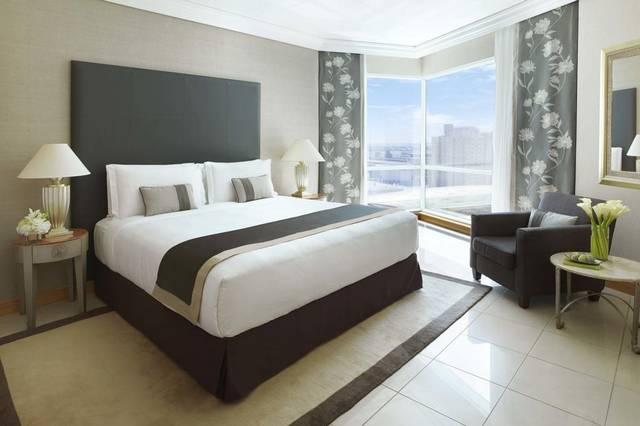 فندق الفيرمونت دبي من فنادق دبي خمس نجوم التي تقع في قلب المدينة.