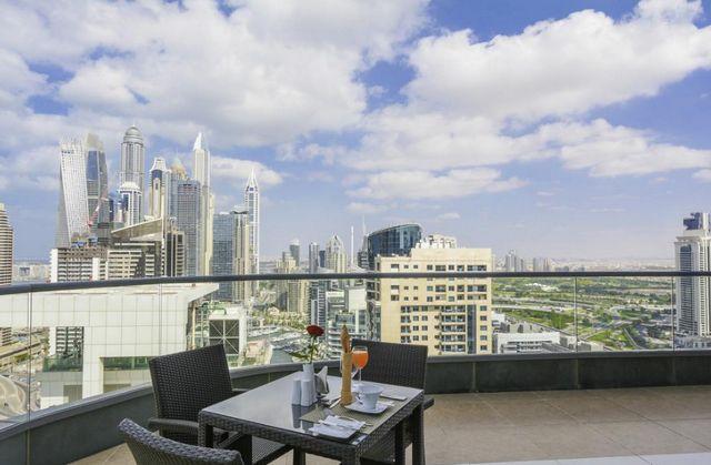 من الخيارات المُميّزة عند التفكير في حجز شقق دبي هي سيتي بريميير مارينا للشقق الفندقية