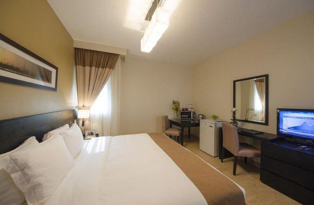 مركز دبي التجاري للشقق الفندقية من أفضل الخيارات العائلية عند حجز شقه في دبي كونه يضم شقق من ثلاث غُرف.