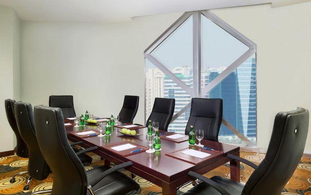 مرافق وخدمات فندق سيتي سيزنز تاور دبي مُميّزة