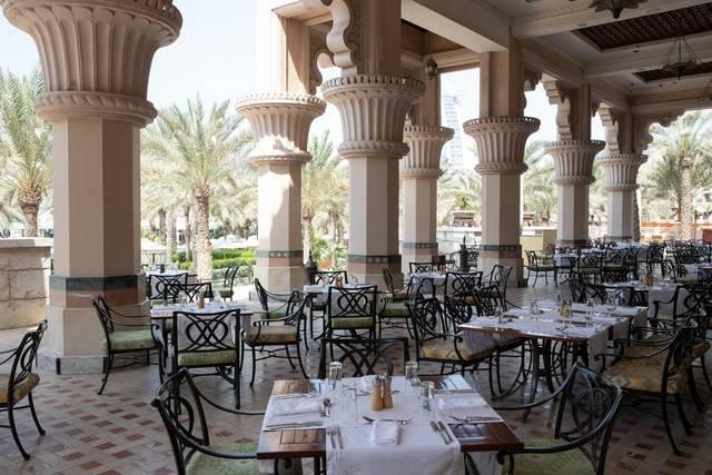 مطعم دار المصيف دبي يُقدّم أشهى الأطباق في أجواء ساحرة.