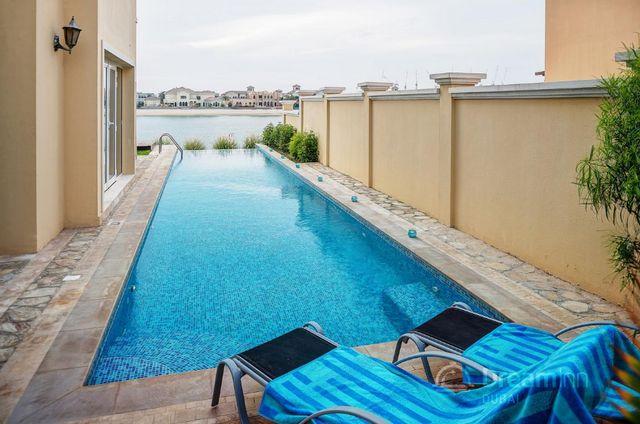 فندق دبي مع مسبح