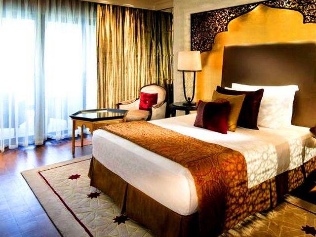 يُعتبر فندق زعبيل سراي من ارقى الفنادق في دبي فهو يُقدّم خدمات مٌتنوعة.
